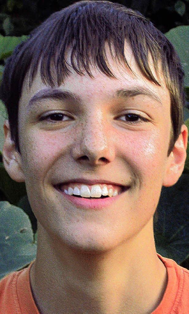 """Raphael Benz (14 Jahre) """"In den Sommerferien entspanne ich meistens. Das gelingt mir am besten wenn ich eine Runde mit meinem Fahrrad drehe oder auch mit ... - 35038263"""