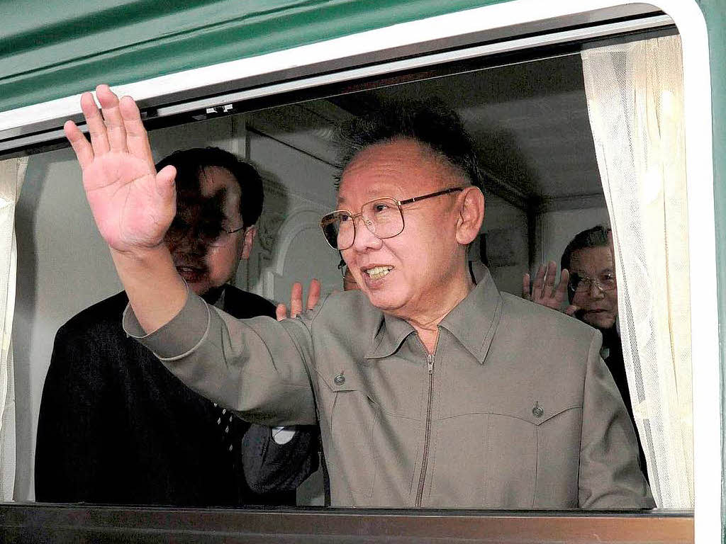Into the hands of Kim Jong-un! [New supreme leader of North-Korea] 35199557