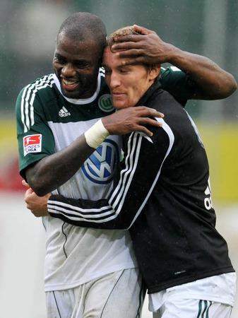 Sechster Spieltag der Fußball-Bundesliga: Wolfsburg schlägt den SC Freiburg mit 2:1.