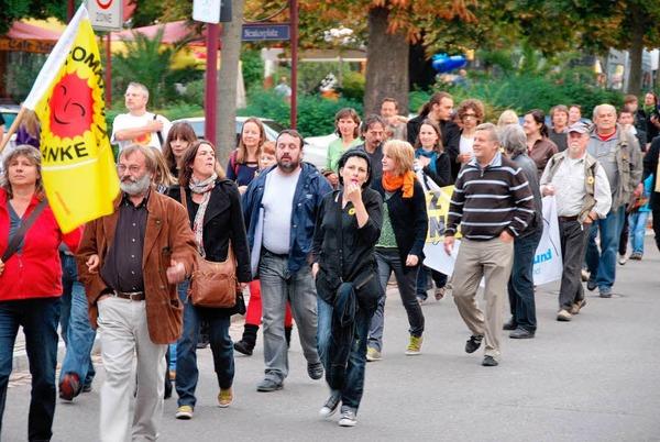 Rund 600 Demonstranten fordern in Breisach den Atomausstieg.