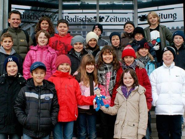 Die Klasse 4b der Hans-Thoma-Schule Rheinfelden mit ihrem Lehrer Herr  Hartmann.