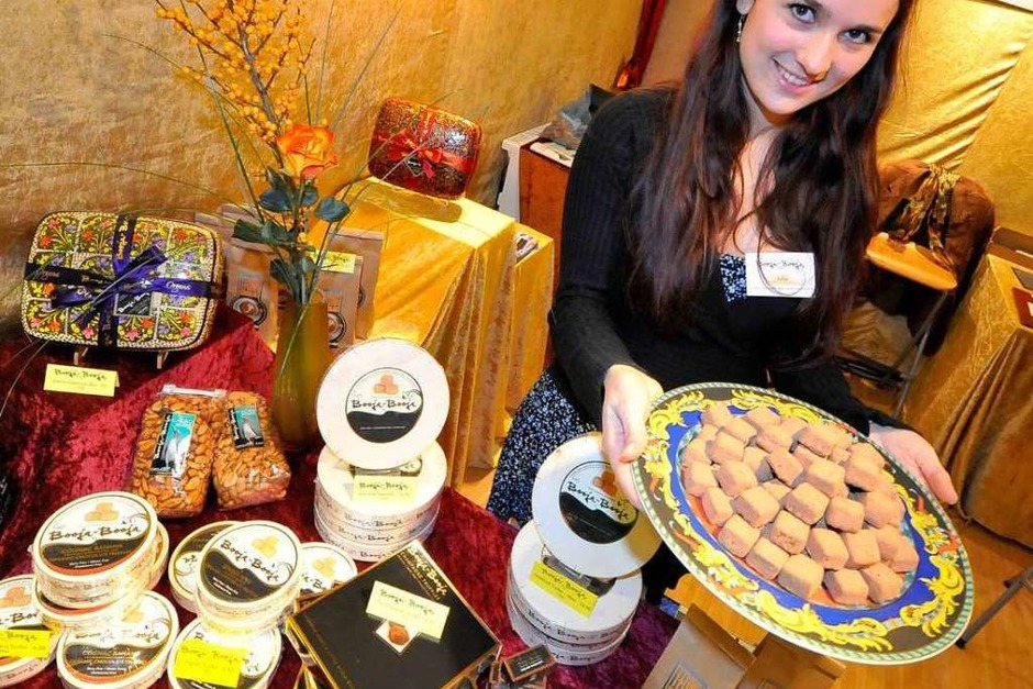 Kein Käse: Julia Paredes präsentiert Schokoladen-Kreationen. (Foto: Michael Bamberger)
