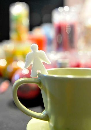 Ein Engel aus Zucker zum Kaffee