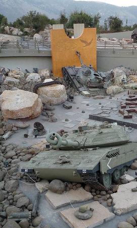 zerschossene panzer im disneyland der gotteskrieger ausland badische zeitung. Black Bedroom Furniture Sets. Home Design Ideas