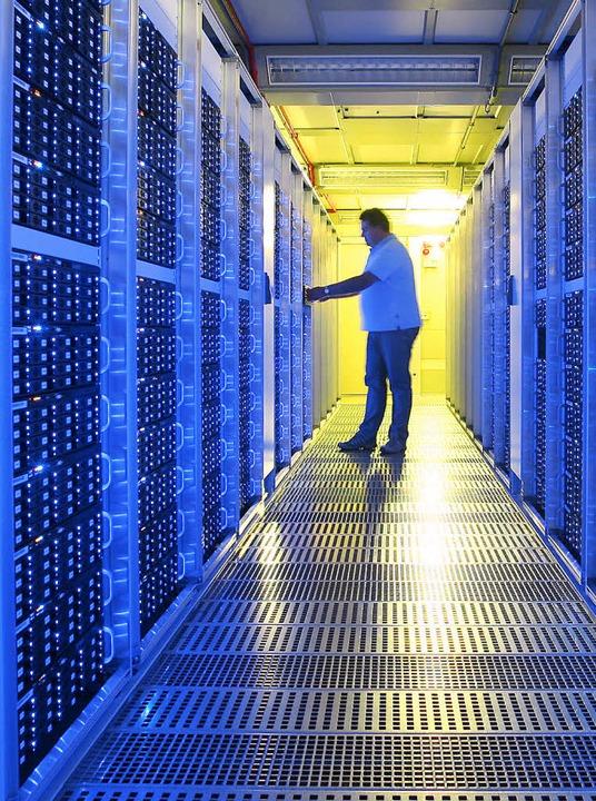 Motor des Internets: ein Rechenzentrum   | Foto: ComBOTS