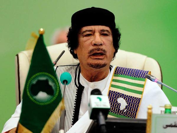 """Muammar al-Gaddafi: Reise nie ohne eine """"�ppige"""" blonde Krankenschwester aus der Ukraine"""