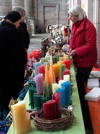 Kerzen vor dem Dom