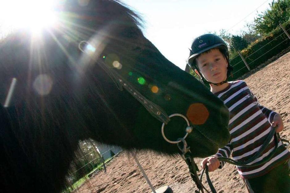 Den Kindern des Förderzentrums Hebelschule Titisee-Neustadt ermöglichen die Spendengelder therapeutisches Reiten. (Foto: Yvonne Weik)