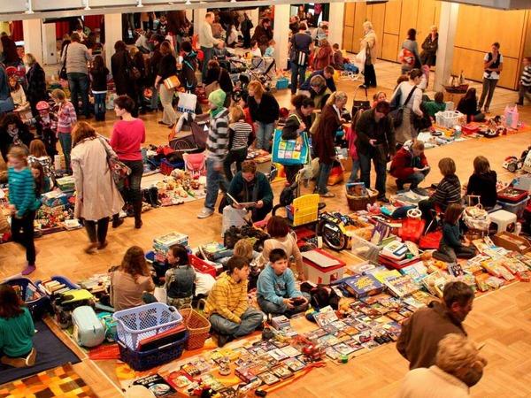 Viel los war auch bei den BZ-Kindertrödelmärkten, hier zum Beispiel in Rheinfelden. Die Standgebühr wird jeweils gespendet.