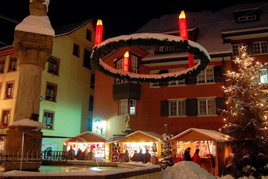 Zauberhaft präsentierte sich Laufenburg zur grenzüberschreitenden Altstadtweihnacht. (Foto: Hildegard Siebold)