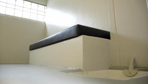 rheinfelden ganz sch n n chtern die zelle badische. Black Bedroom Furniture Sets. Home Design Ideas