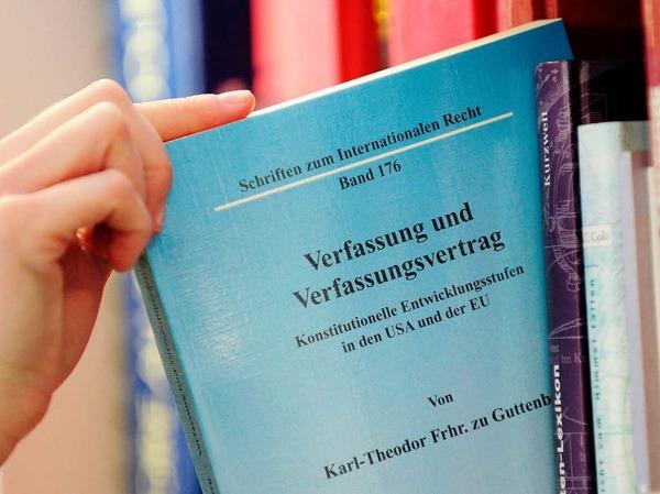 Die Doktorarbeit von Verteidigungsminister zu Guttenberg – teilweise ein Plagiat?
