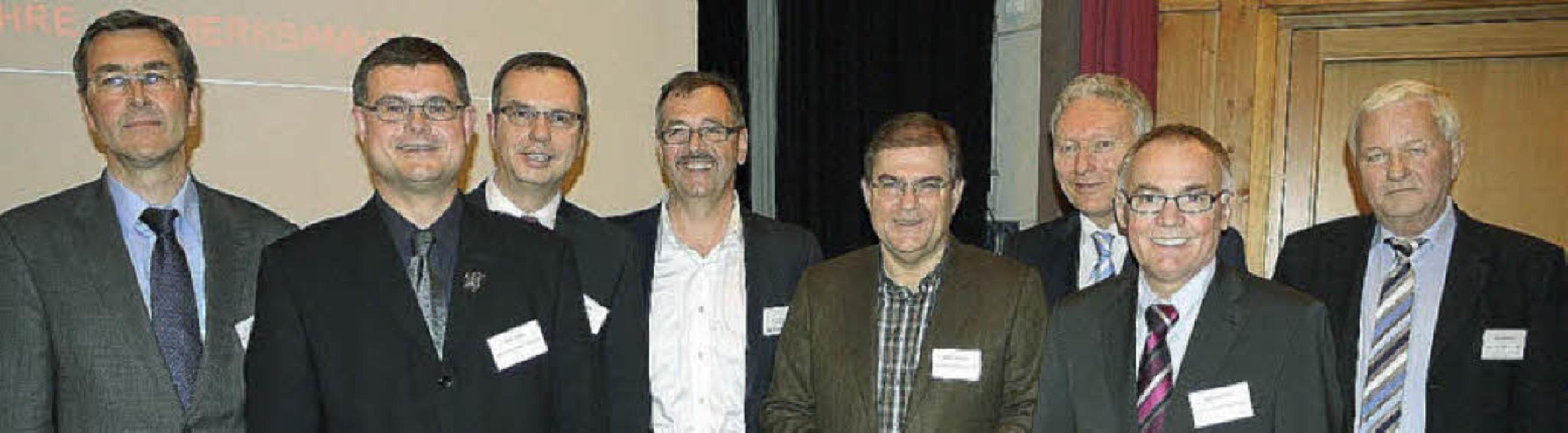 Referenten beim Bleibacher Baugespräch... Stratz und Moderator Jörg Hemmerich.   | Foto:  Eberhard Weiss