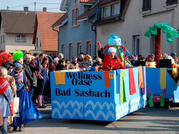 """Umzug in Sasbach: Die Gruppe Mut stellte die neue """"Wellnes Oase Bad Sasbach"""" vor."""