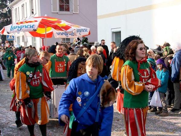 Die Besucher hatten viel Spa� beim gro�en Umzug in Hartheim.