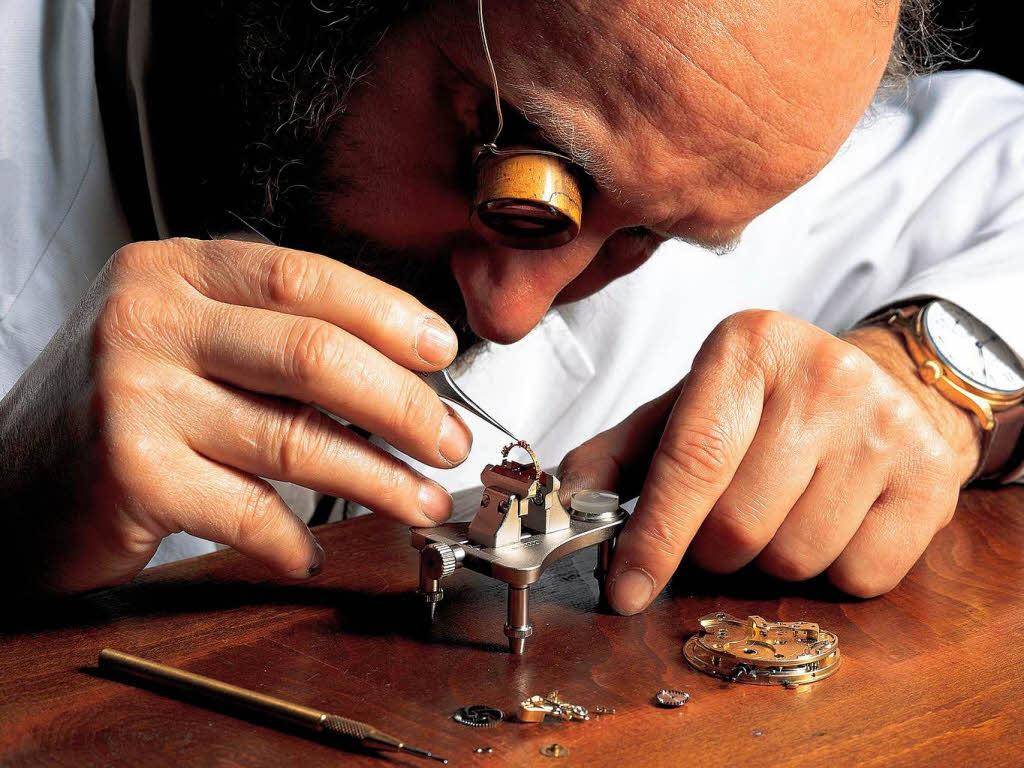Uhrmacher  Uhrmacher – die letzten ihrer Art - Wirtschaft - Badische Zeitung