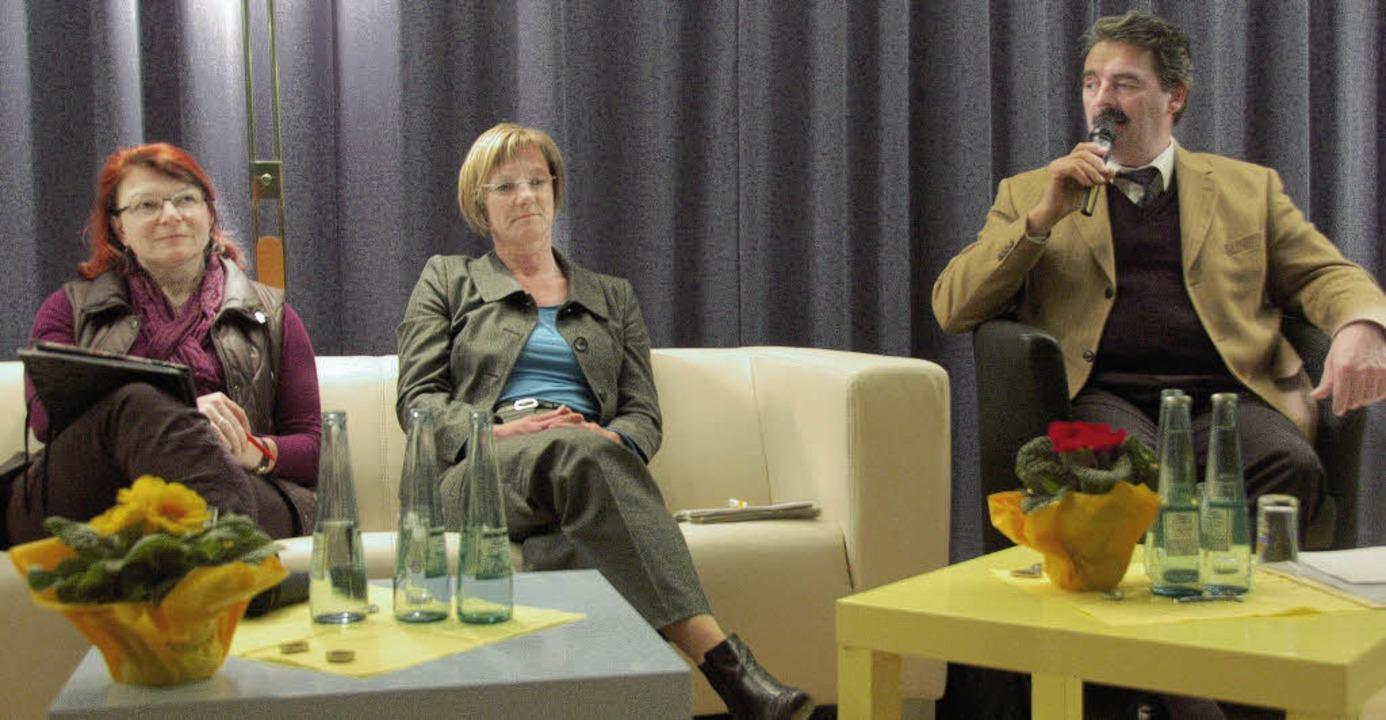 Bei der Diskussion in Schallstadt (von... Grünen) und Bernhard Schätzle (CDU).   | Foto: Tanja Bury
