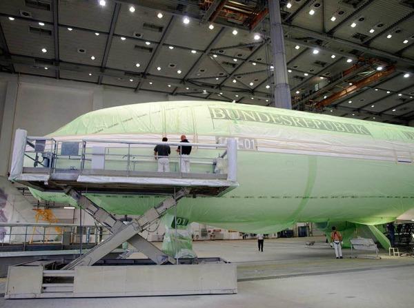 Gebaut wurde der erste Airbus A 340 der Flugbereitschaft der Bundeswehr von der Lufthansa Technik AG.