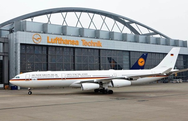 Der Airbus kann 143 Passagiere transportieren.