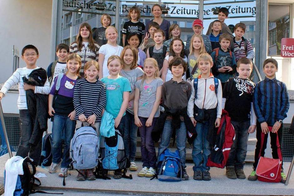 Die Klasse 4a der Johann-Peter-Hebel-Schule aus Gundelfingen mit ihrer Lehrerin Silke Harmsen (Foto: Hanno Förtner)