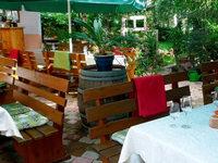 Isele Strauße: Guter Wein, leckere Flammenkuchen