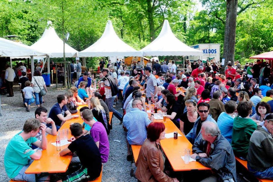 Der Mai ist gekommen, der Hock in Ottenheim auch. (Foto: Wolfgang Künstle)