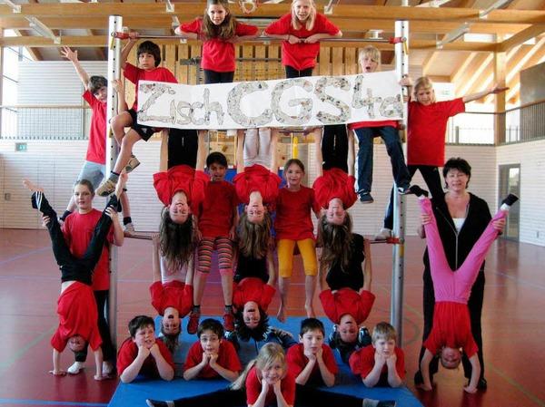 Stehen Kopf: Die Kinder der Klasse 4a der Clara-Grunwald-Schule