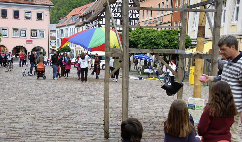 Der Marktplatz und andere Plätze werden zu Spielorten.    Foto: Sylvia Timm
