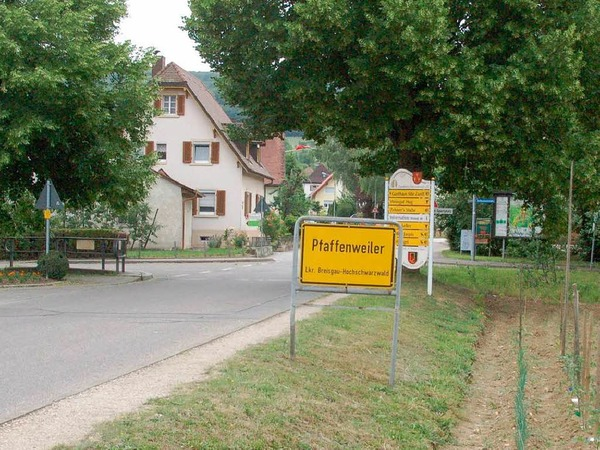 Pfaffenweiler ist schockiert. Ein Mitbürger wurde erschossen in seiner Wohnung aufgefunden.