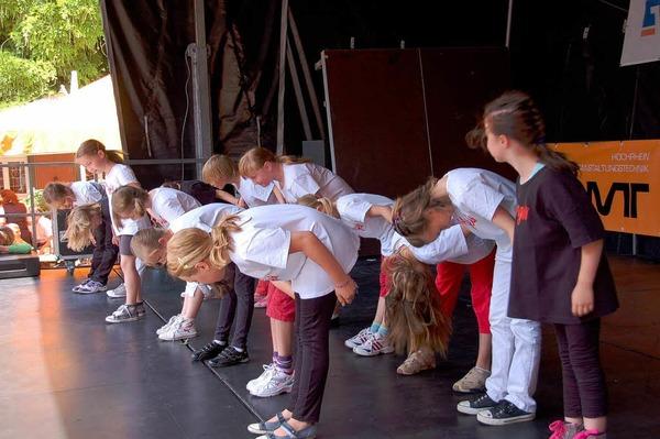 Mitrei�ende Showacts bekamen die Besucher in Staufen beim Street Dance Wettbewerb bei Wein und Musik geboten.