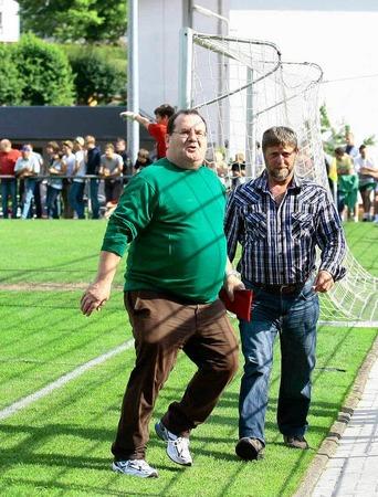 Impressionen rund um das Spitzenspiel in Schweighausen.