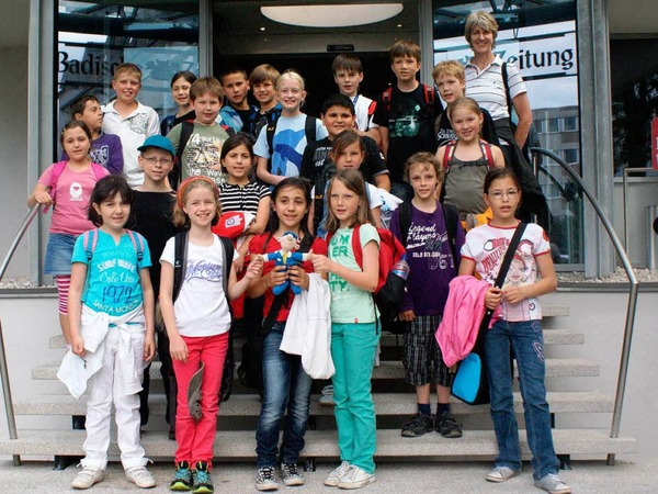 Die Klasse 4a der Hebelschule aus L�rrach mit ihrer Lehrerin Sonja Eiche