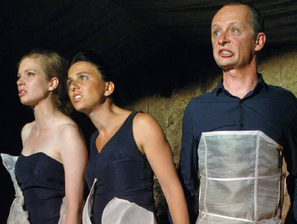 """Die Theatergruppe """"Weinkörper&#8... setzte dabei vor allem auf die Mimik.    Foto: benjamin bohn"""