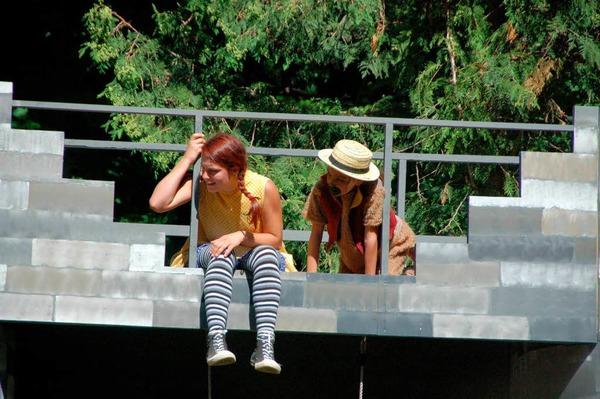 Pippi Langstrumpf und ihr �ffchen Herr Nilsson bei der  Premiere im Theater im Steinbruch: WAs ist denn da unten los?