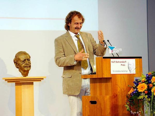 Jörg Laskowski von der Saarbrücker Zeitung bekam den 1. Preis verliehen.