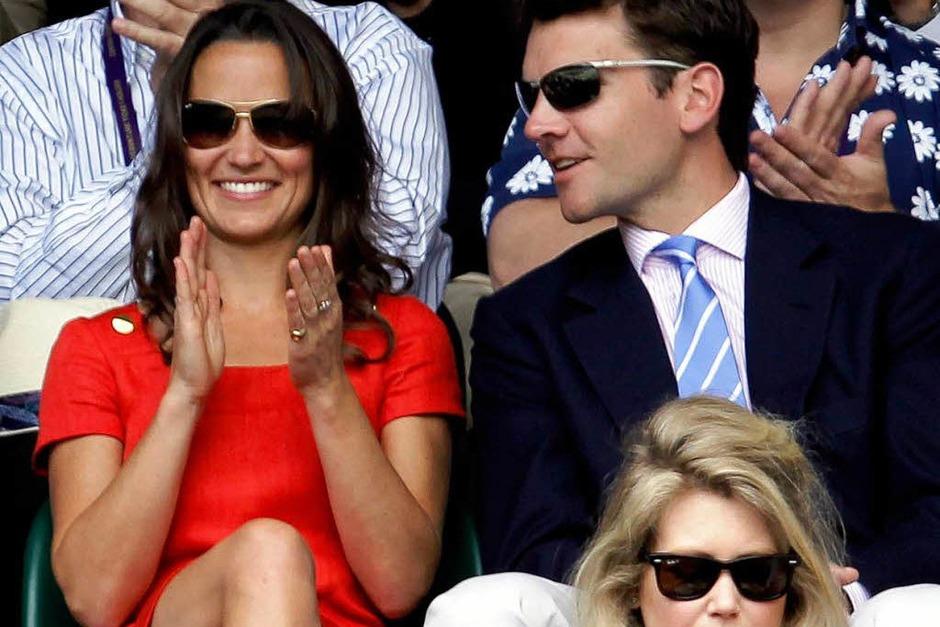 Pippa Middleton kam mit ihrem Doch-wieder-Freund Alex Loudon – und ihren Eltern. (Foto: dpa)
