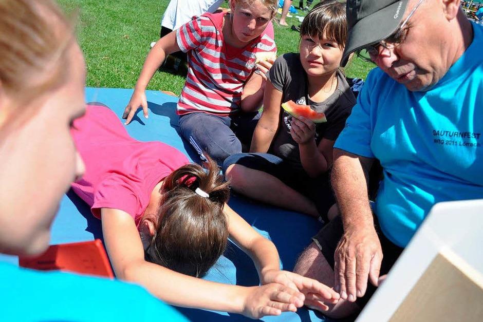 Große Freude bei den Kleinen – das Kinderturnfest am Sonntag zog viele Jungen und Mädchen ins Lörracher Grüttparkstadion (Foto: Barbara Ruda)