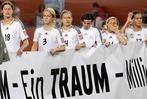Fotos: B�ses Erwachen aus dem WM-Traum