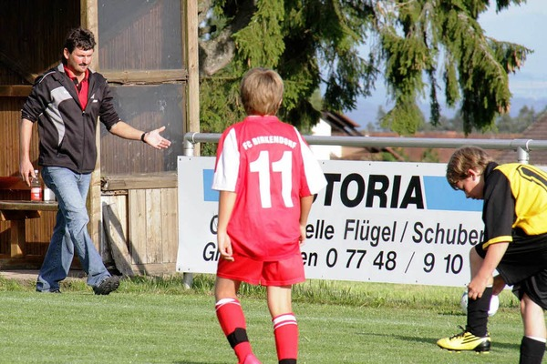 Trainer Rainer Baumgrtner vom FC Birkendorf