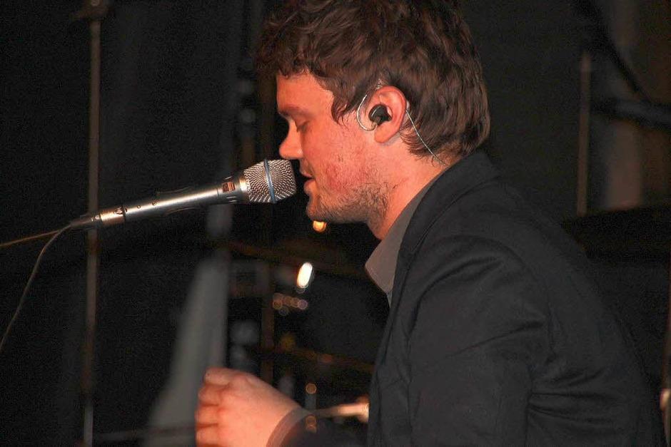 Mit seiner Stimme begeisterte er das Publikum: Christoph Ecke von der Band Leyan. (Foto: Eileen Woestmann)