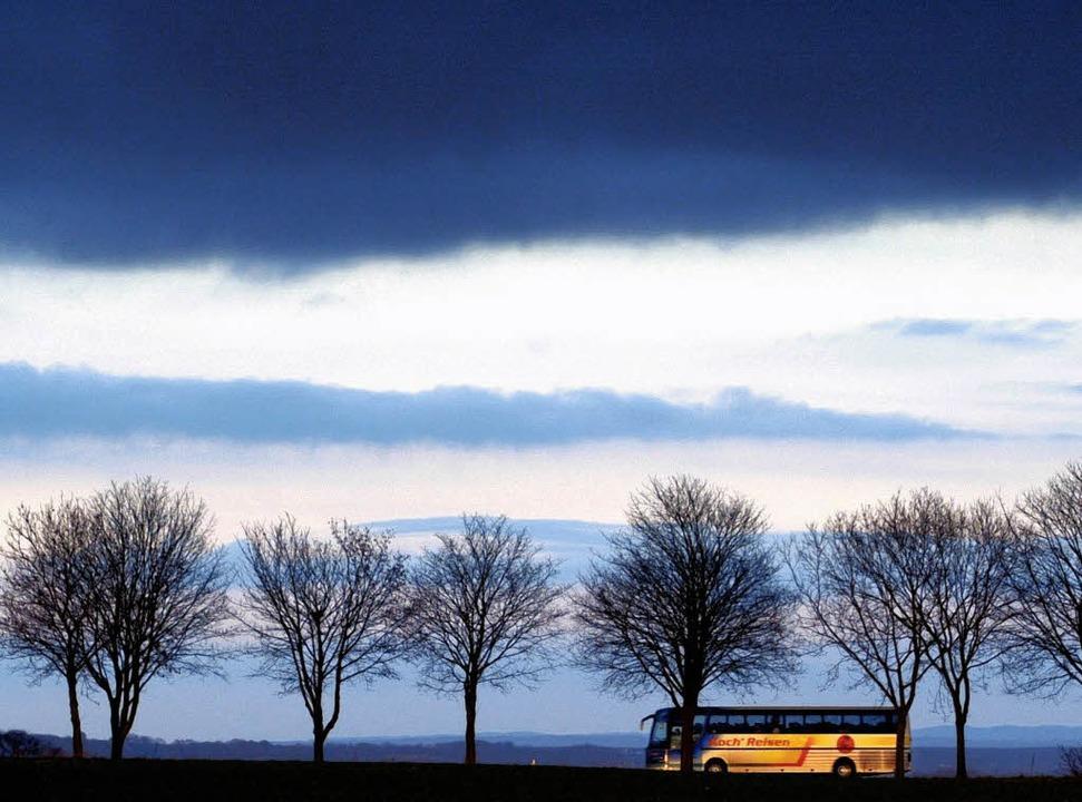 Bald wohl häufiger zu sehen – Omnibusse im Linienverkehr  | Foto: dpa
