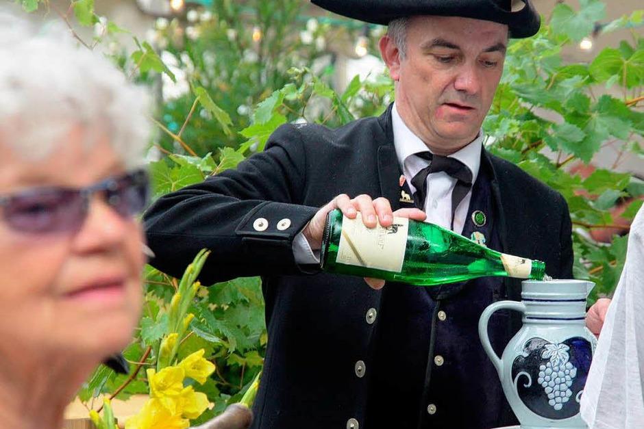 Ein farbenprächtiger Umzug war der Auftakt zum Markgräfler Weinfest in der Fauststadt. (Foto: Huber)