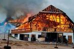 Fotos: Feuer zerst�rt alten B�hlhof bei Titisee-Neustadt