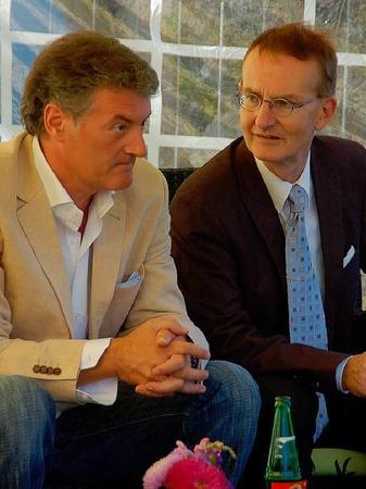 Wolfgang Siller, Vorsitzender des RV St. Georg, im Gespräch mit  Bürgermeister Ekkehart Meroth (rechts)