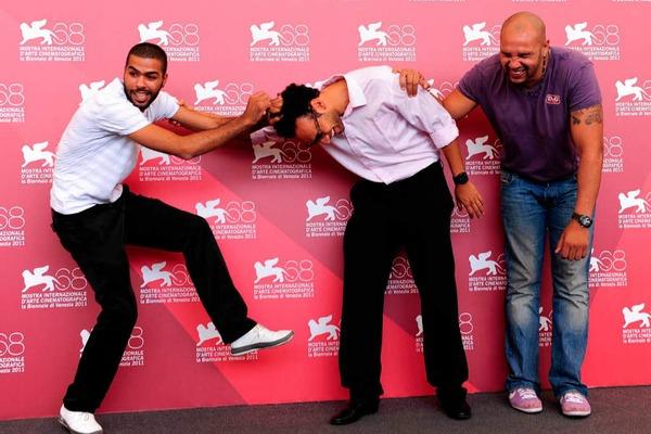 Immer für einen Spaß zu haben: Die Schauspieler Yassine Azzouz (Mitte), Rashid Debbouze (links) und Kamel Laadaili.