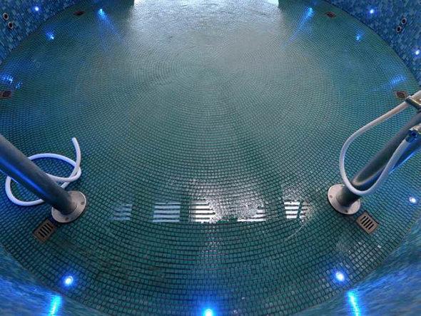 freiburg modernisierung millionenteure sanierung des eugen keidel bads beendet badische. Black Bedroom Furniture Sets. Home Design Ideas