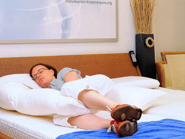 papstbesuch teure betten bleiben leer freiburg. Black Bedroom Furniture Sets. Home Design Ideas