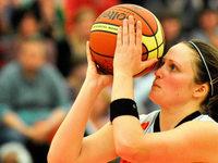 Eisv�gel starten mit einem Sieg in die Basketball-Saison