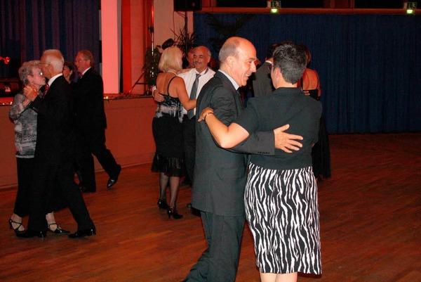 Stimmungsvolle Atmosphäre auf und vor der Bühne verzauberte die Gäste im Kurhaus beim Vita-Classica-Ball.