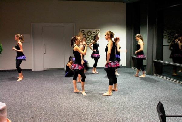 Weltmeisterlichen Modern Dance tanzten die Mädels von Diamond Dust.